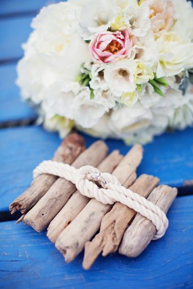 Nautical Seaside Wedding Inspiration ring case made of driftwood and rope DIY wedding ideas
