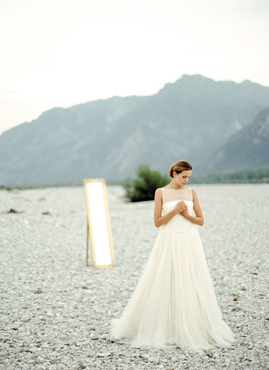 Wedding inspiration for inspired brides - modern wedding dresses - photography by peaches and mint
