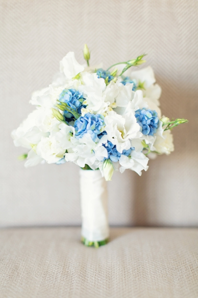 Stunning light blue & white wedding bouquet photography peaches&mint