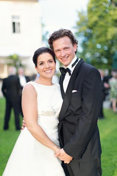 Hochzeit im schönen Schloss Maria Loretto, beste Hochzeits Fotografie Österreich, peachesandmint