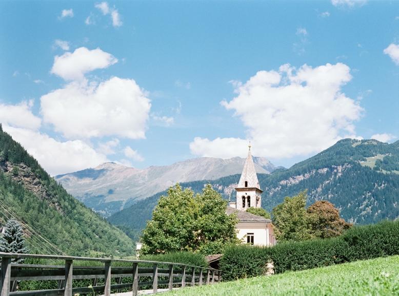 Boutique Destination Wedding Switzerland Valposchiavo Fine Art Photography (48)