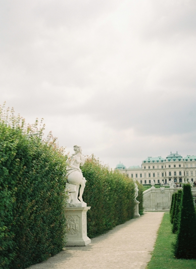 Beautiful Vienna wedding Schloss Belvedere