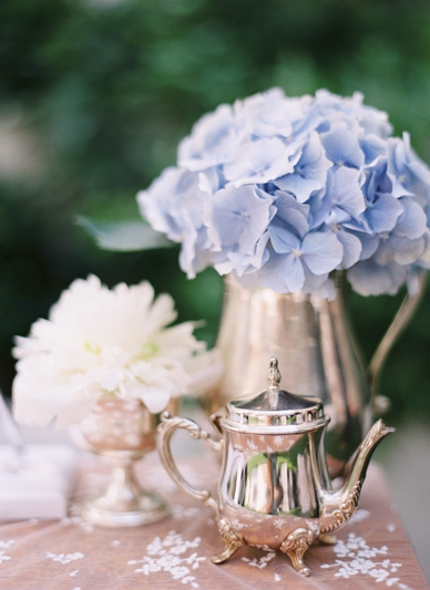 Lace and silver vintage details at Vienna City Wedding Decoration & Styling by Lovelyweddings.at