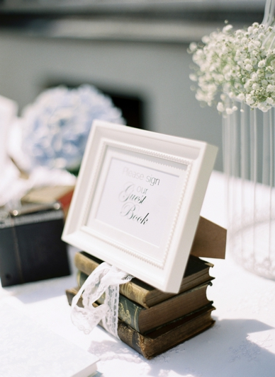 Vintage guestbook decoration