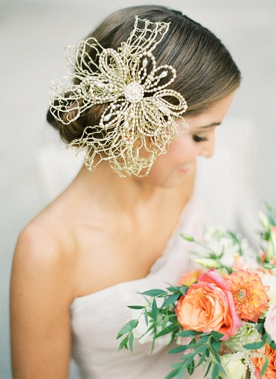 Gold headpiece by bridal headpiece designer Niely Hoetsch