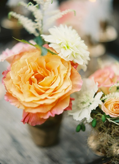 Delicate wedding flower ideas