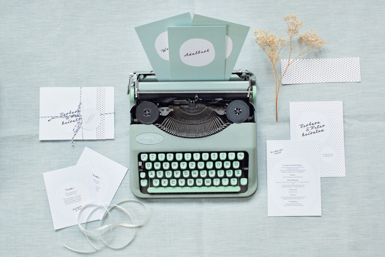 50s inspired wedding stationery by hochzeitsdesign.com photography by peachesandmint.com