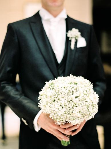 Kempinski Winter Wedding White Bouquet by Kunstgärtnerei Doll