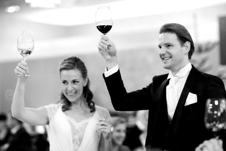 Elegant Wedding celebration in Vienna's Kempinski Hotel wedding photography for inspired brides