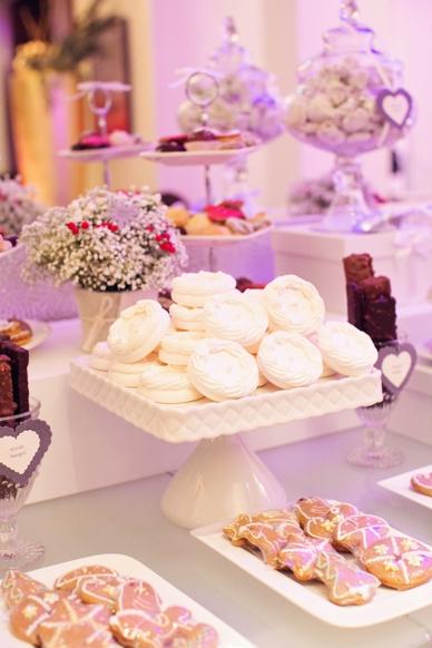 Cookie candy bar at winter wedding in Vienna