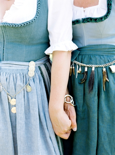 Details on Tostmann Dirndl traditional Austrian Trachten