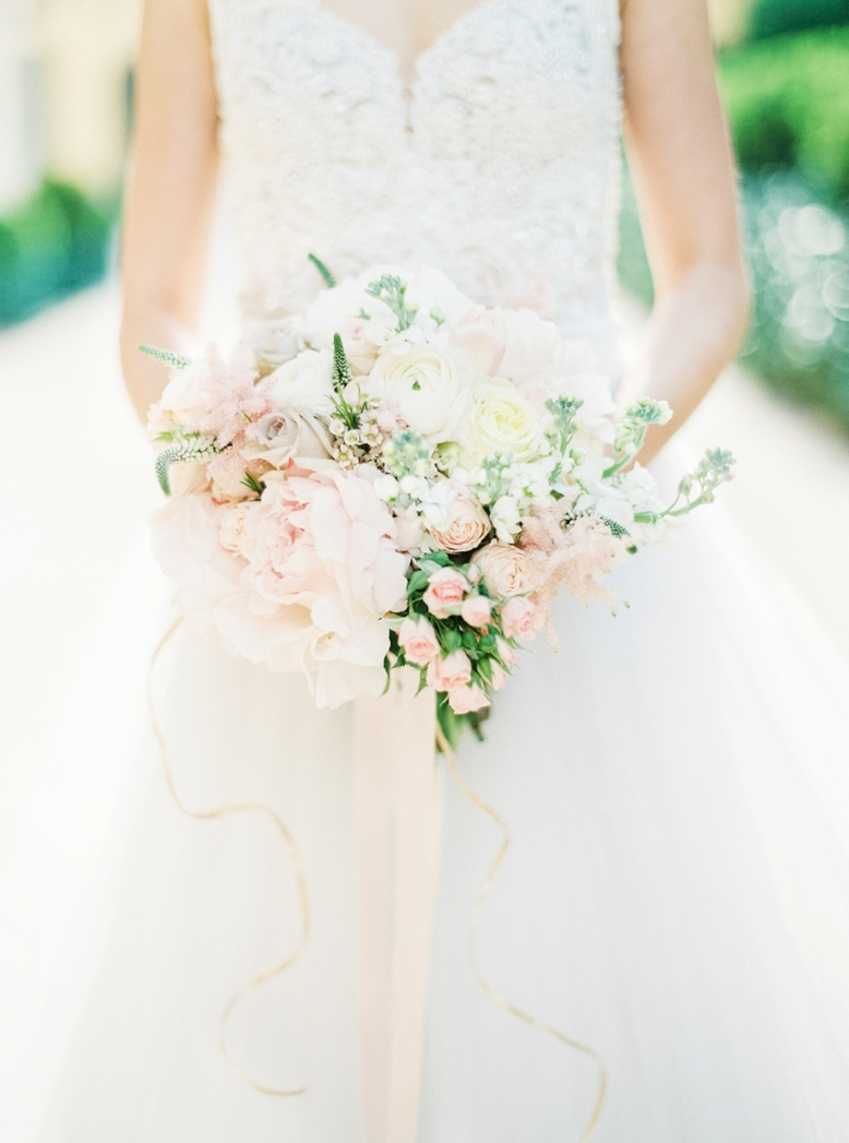Blush & pastell wedding bouquet by florist Dana Vlas of Div Art Flowers