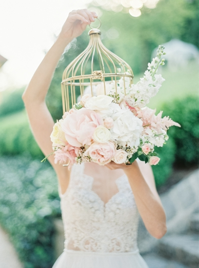 Stunning work by floral artist Dana Vlas for this blush wedding flower concept
