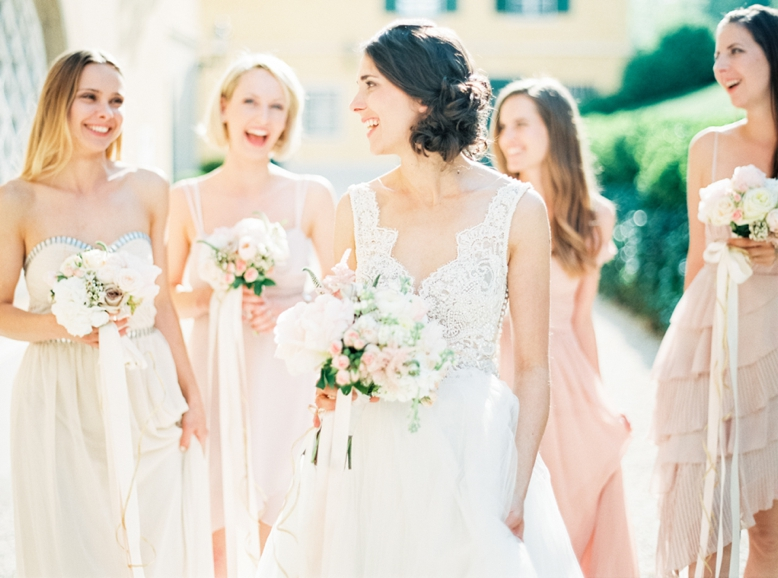 Beautiful bride & blush toned bridesmaid dresses wedding photography by peaches & mint