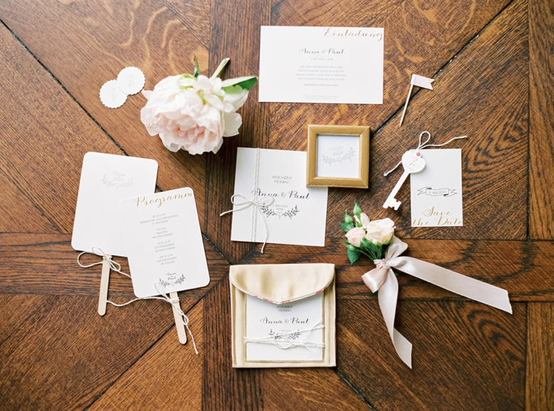 Wedding stationery set by Heiratsquartier.at