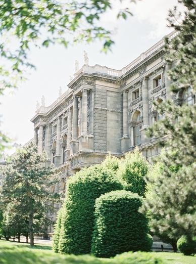 Kunsthistorisches Museum Vienna by peachesandmint.com