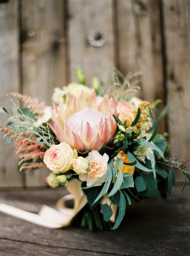 Stunning flower art bouquet by Fiona Seidl of Flowerup.at
