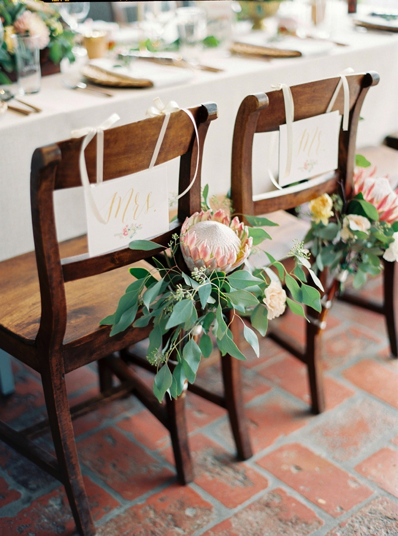 Mr. & Mrs. Seating plates at wedding styled by Lovely Weddings by Viktoria Antal