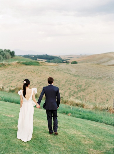 Perfection is close in Tuscany destination wedding photography by peaches & mint at The Lazy Olive Podere Finerri