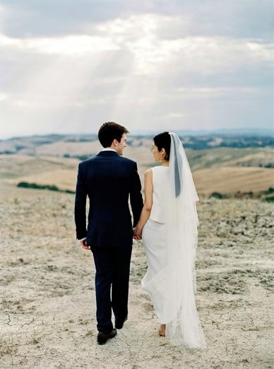 Magic Tuscany wedding at The lazy Olive in Asciano Tuscany Destination wedding
