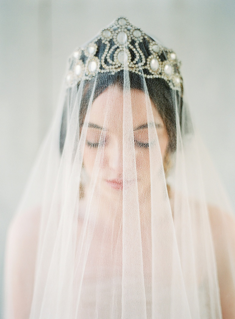 Dreamy bridals - Emily Riggs Veil styled by Pearl & Godiva photography by peachesandmint.com