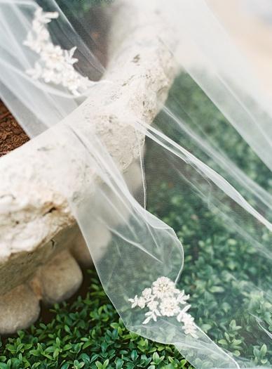 Lace veil wedding details