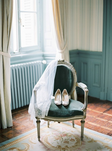 Chateau destination wedding France - Exquisite film wedding photography by www.peachesandmint.com