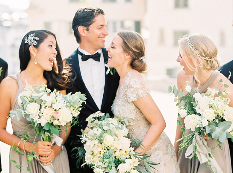 Best Wedding Photography Editors pick by Style Me Pretty and Hochzeitsguide - Film Photographer peaches & mint