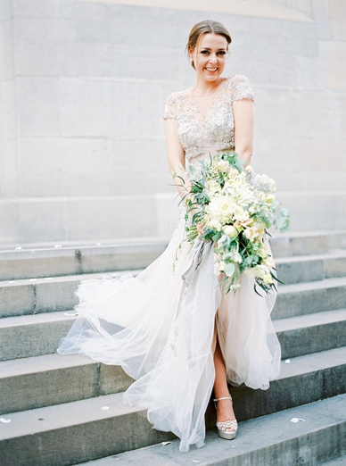 Stunning Zurich bride in Inbal Dror dress, Sergio Rossi shoes and with a Flowerup Bouquet captured by the talented destination wedding photographer peachesandmint.com