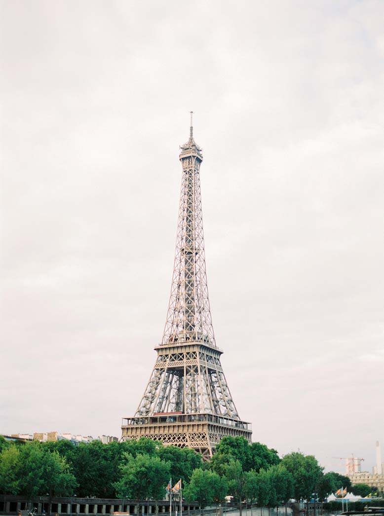 Elegant destination wedding in Paris | Fine art film photographer Peaches & Mint