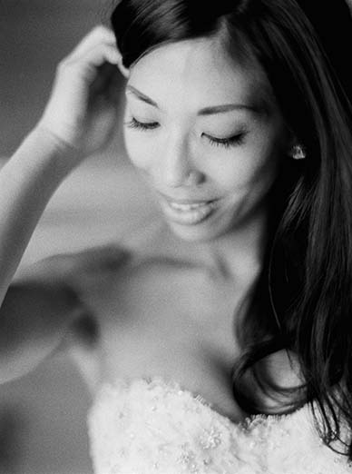 Bridal boudoir + bride getting ready photo ideas | Fine art film photographer Peaches & Mint