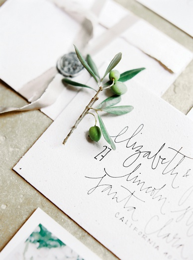 Olives and personal touches on the beautiful Tuscany inspired invitation set by Susanne Bühler