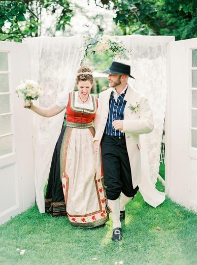 Austrian-Norwegian Wedding bliss by Melanie Nedelko for peachesandmint.com