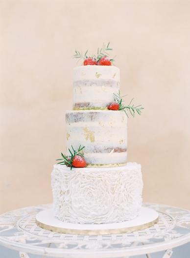 Strawberry Naked Cake at Aiola im Schloss St. Veit photography Melanie Nedelko for peachesandmint.com
